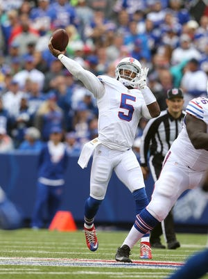 Bills Tyrod Taylor connects on this deep throw to Percy Harvin for a 51 yard touchdown in a 27-14 win over the Colts.