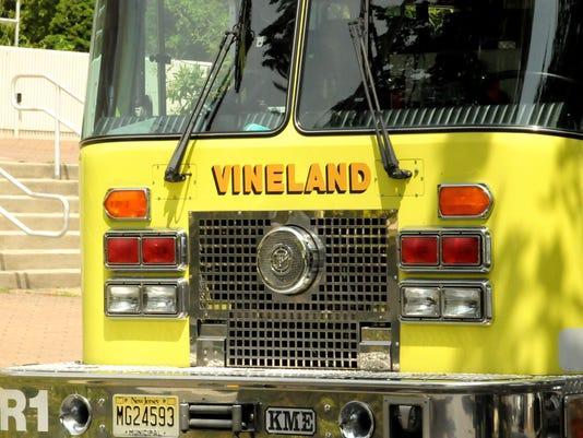 -062310 VINELAND FIRE TRUCK FOR CAROUSEL 2.jpg_20100623.jpg