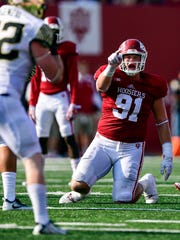 Indiana Hoosiers defensive lineman Jacob Robinson (91)