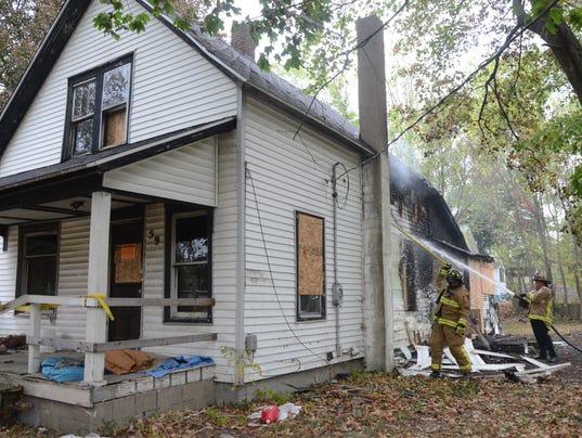 636427296549523368-house-fire.jpg