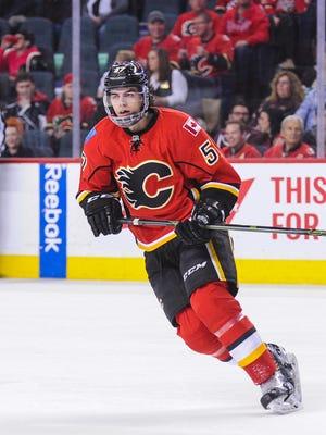 Derek Grant #57 of the Calgary Flames on April 5, 2016.