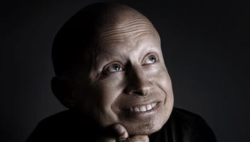 """Actor Verne Troyer — best recognized as Mini-Me in the """"Austin Powers"""" films — will appear at the Twin Tiers Comic-Con in Elmira this weekend."""