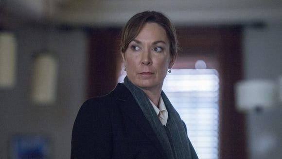 Elizabeth Keane (Elizabeth Marvel) is about the find