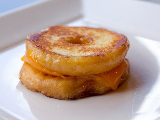 Tom+Chee_Grilled Cheese Donut_sm