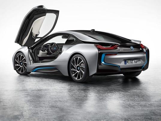 bmw puts supercar price to i8 plug in sports car. Black Bedroom Furniture Sets. Home Design Ideas