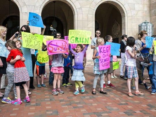 635803371107301483-Duke-protest