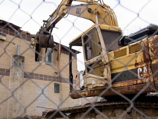 Demolition on the original Walt's Flavor Crisp Chicken