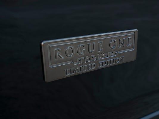 636149056810576767-37-Rogue-One-Nissan.JPG