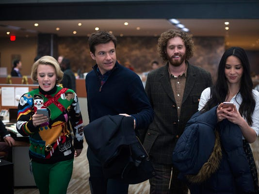 Office-Christmas-Party-Kate-McKinnon-Jason-Bateman-TJ-Miller-Olivia-Munn.jpg