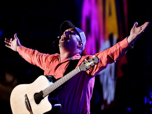 636325602738248734-38-CMA-Headliners-Concert-Fest-Garth-brooks.JPG