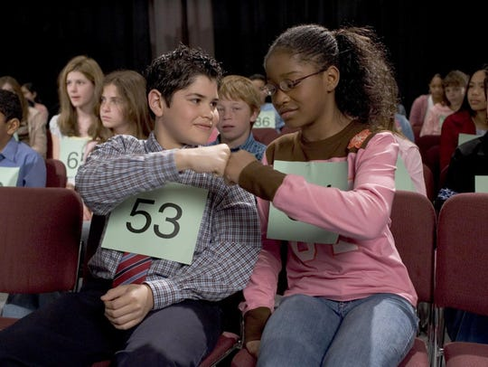 Javier (JR Villareal, left) and Akeelah (Keke Palmer)
