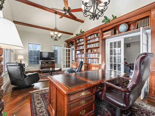 Clearview-Conservatory-Library-Bookshelves.jpg