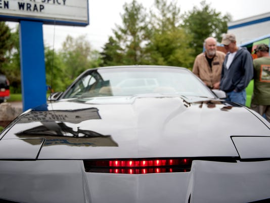 Knight Rider's KITT, a cult classic, recreated by Lansing man