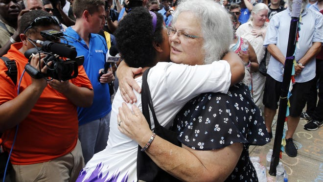 Building friendships with people of another race is one key to healing America's racial divide, writes psychologist Robert Pawlicki.