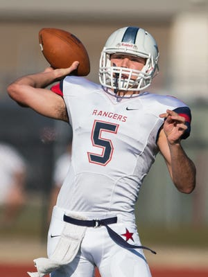 Northwest CC quarterback Gardner Minshew (5) throws downfield during the Mississippi Bow in Biloxi last season. The former Brandon standout signed with East Carolina on Tuesday.