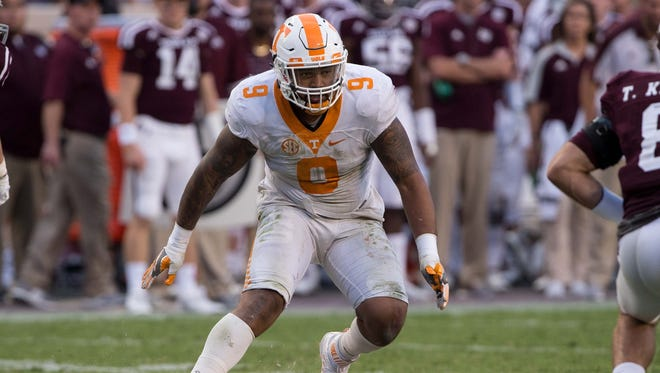 Tennessee defensive end Derek Barnett plays against Texas A&M on Oct. 8, 2016.