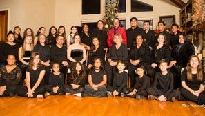 Symphony Viva Chorus is a new organization created by choir director Lee Gwozdz. The first concert will be Jan. 14, 2018.