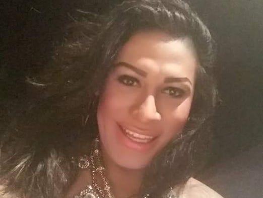 Nayeli Charolet es una activista y artista transgénero
