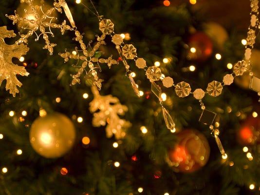 ELM 1127 CHRISTMAS TREE