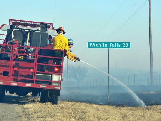 Grass fire near Electra