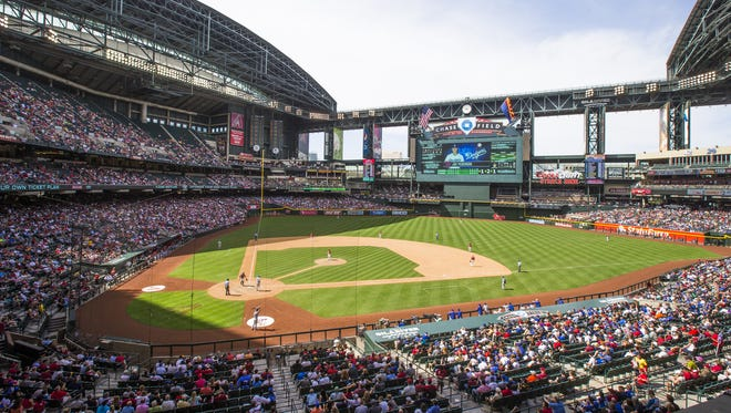 The Diamondbacks are threatening to leave Chase Field amid Maricopa County's failure to make $187 million in repairs.