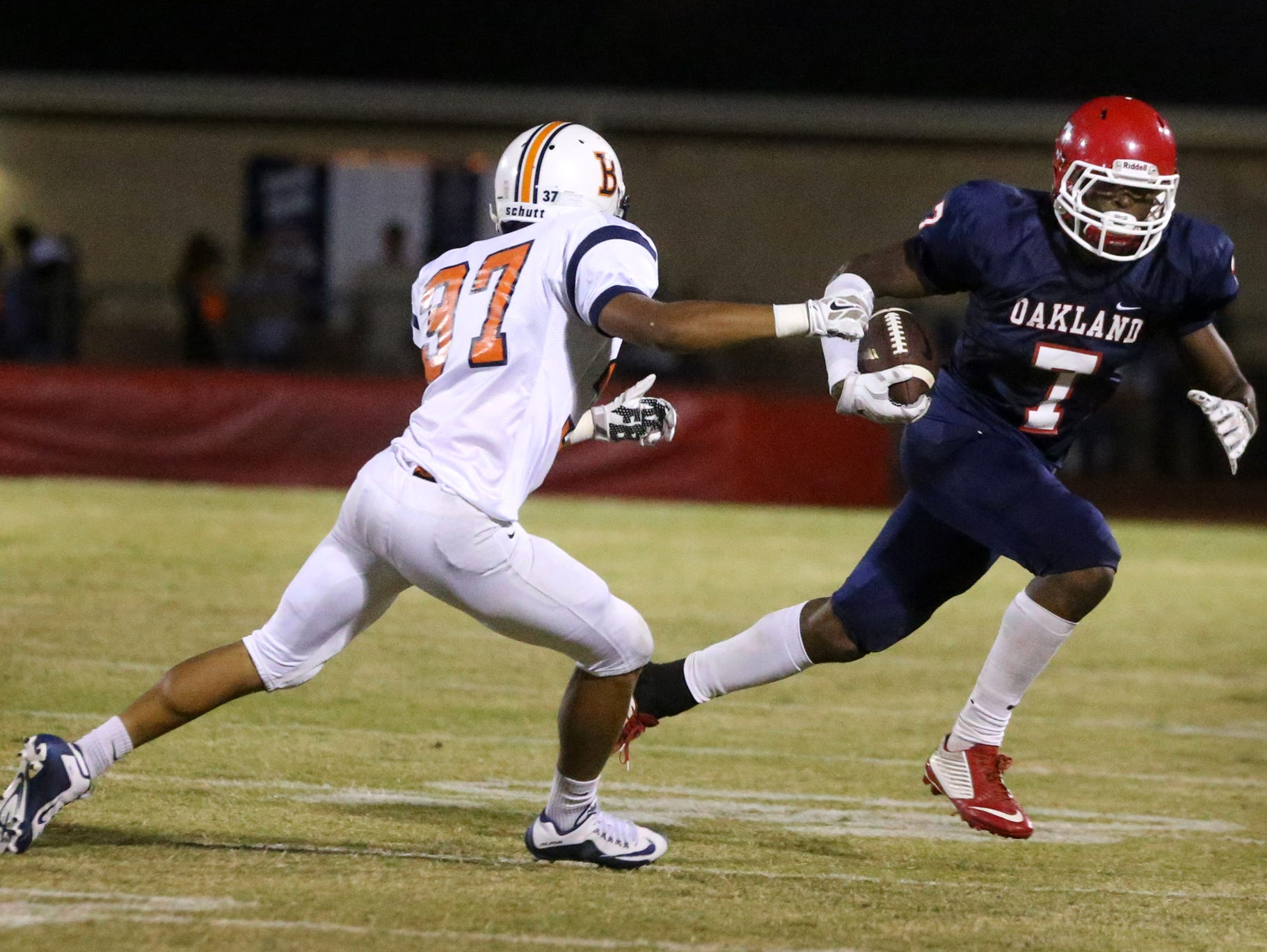 Oakland's JaCoby Stevens (7) committed to LSU on Wednesday.