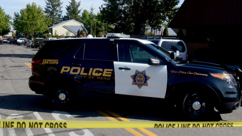 Police investigate a shooting that left one Oakland