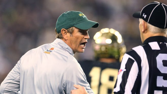 Baylor coach Art Briles doesn't see the need to change rules about college football substitutions and pace of play.
