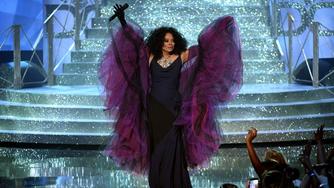 Diana Ross was a vision in purple at the AMAs Sunday night.