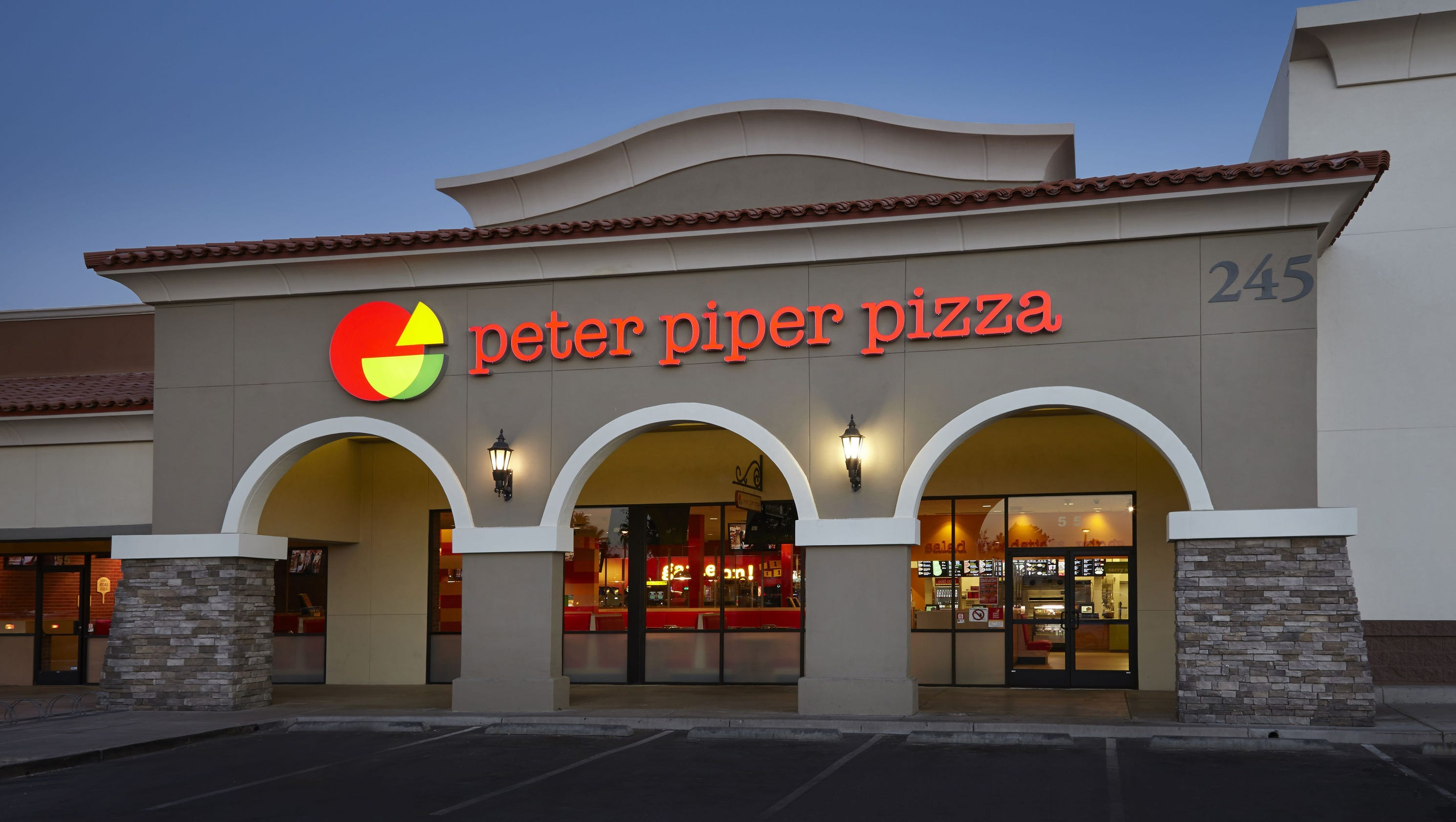 Chuck E Cheese Buys Phoenix S Peter Piper Pizza