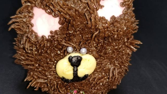 Mo'Pweeze Bakery, in honor of the bear that ate two dozen of its cupackes, now sells cupcakes with bear design.