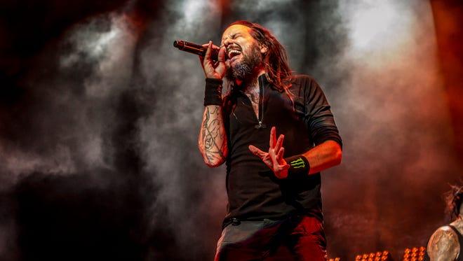 Jonathan Davis of Korn performing at Ak-Chin Pavilion in Phoenix.