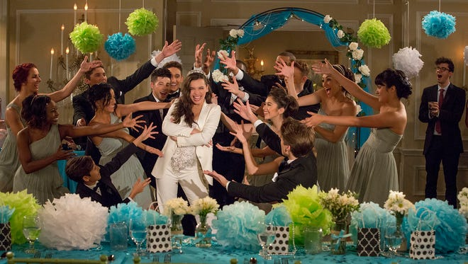 Elena (Isabella Gomez) celebrates her quinceanera on 'One Day at a Time.'