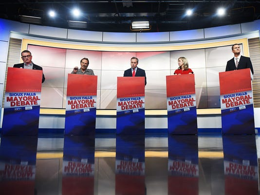 636583025111202155-KSFY-Argus-Leader-mayor-debate-001.JPG