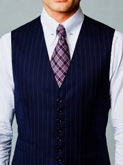 Michael Andrews Bespoke offers ties made in Italy.
