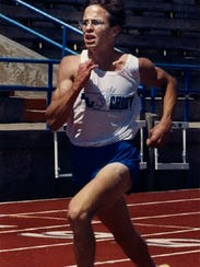 Lake View's Jeff Lewis runs in the San Angelo Relays