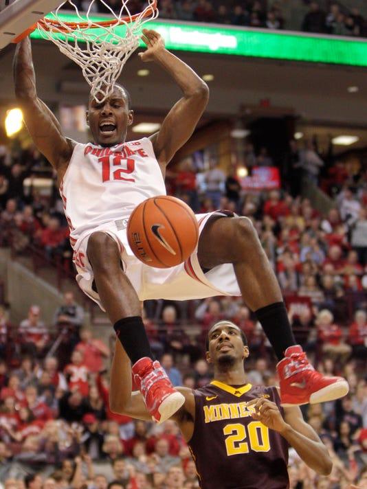 MNCO Sam Thompson dunk