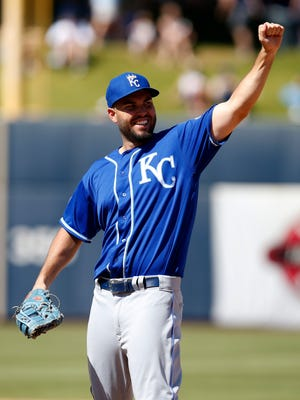Eric Hosmer and the Royals look to repeat at Word Series champions.