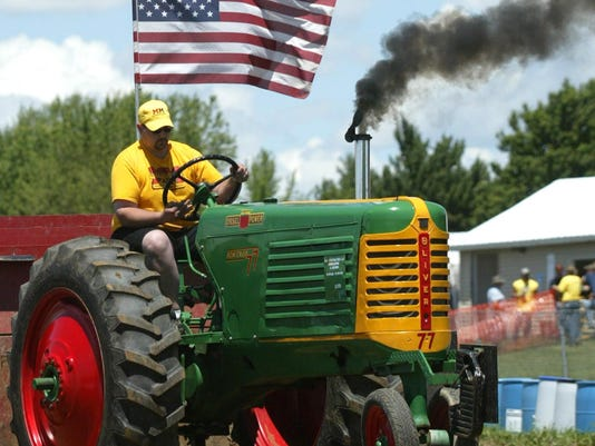 Tractor pull a draw to small towns