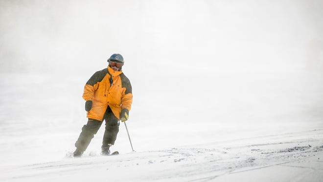 Lee Lentz began skiing long after losing his right hand in an industrial accident.