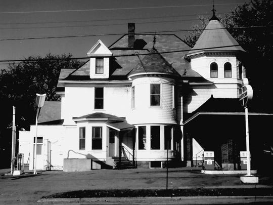 Johnson's House was at the corner of Pearl and Park. It is now the site of the People's United Bank.
