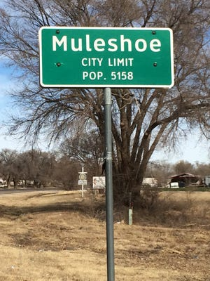 The city limit of Muleshoe, Texas, home of first-year Oklahoma offensive coordinator Lincoln Riley.