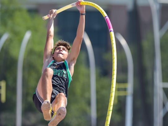 Armand Duplantis competes in the boys 5A Pole Vault