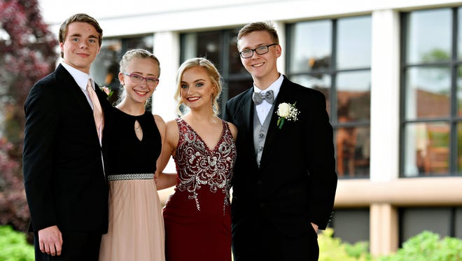 Northern Senior High School prom at Red Lion Hotel in Harrisburg, Saturday, May 27, 2017. Dawn J. Sagert photo