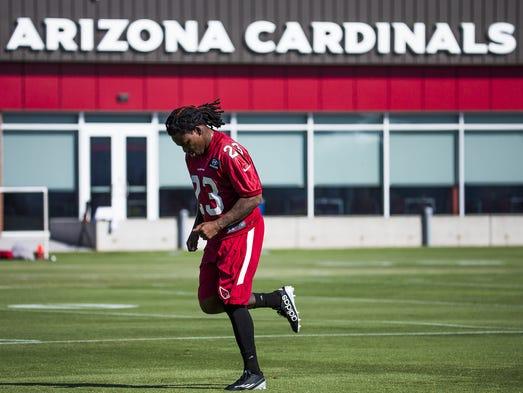 Chris Johnson runs during the Arizona Cardinals mini-camp