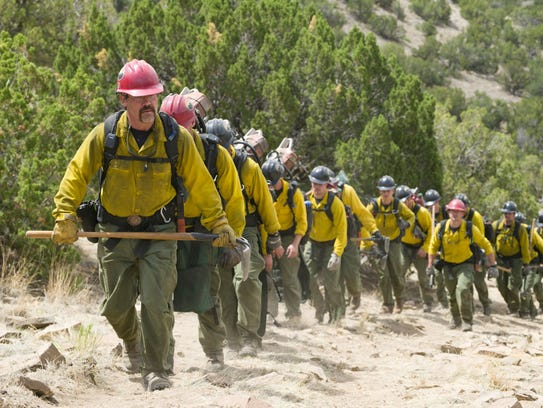 Eric Marsh (Josh Brolin, front) leads the Granite Mountain