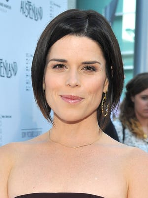 Neve Campbell: Oct. 3, 1973.