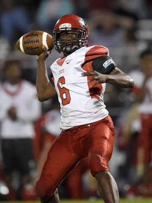 Pelahatchie quarterback Javeious Purvis (6) prepares to pass against St. Joe on Thursday, October 29, 2015, at St. Joseph Catholic School in Madison, Miss.