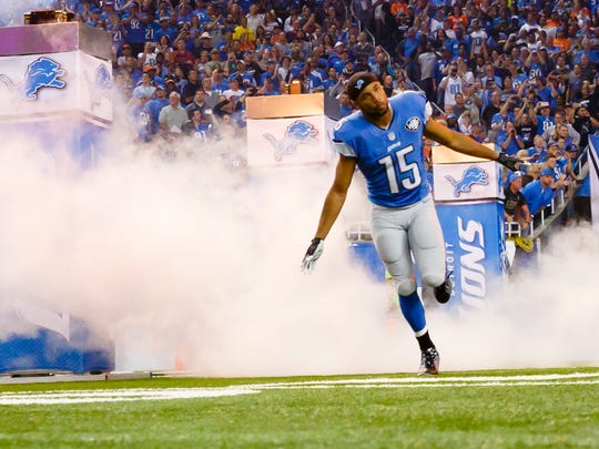 Detroit Lions wide receiver Golden Tate (15) runs out