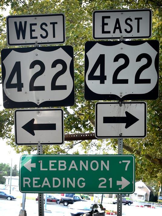 635824247374063297-LDN-MKD-110615-highway-sign-422-1
